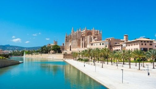 Specialising in tourism law in the Balearic Islands