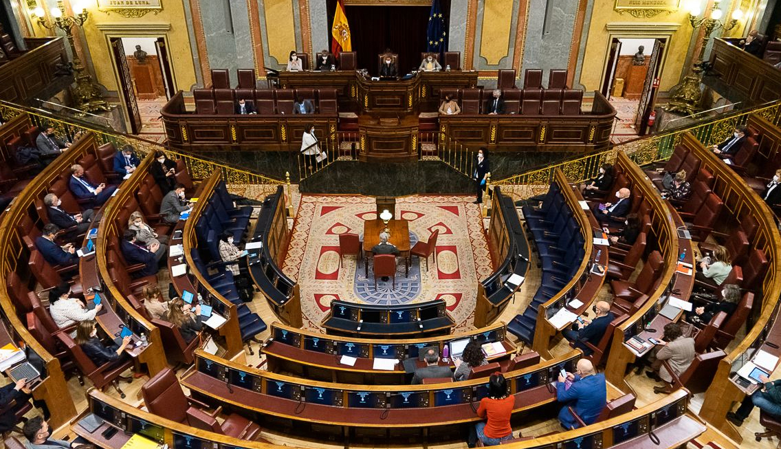 Primera Ley en España que regula y  autoriza la eutanasia
