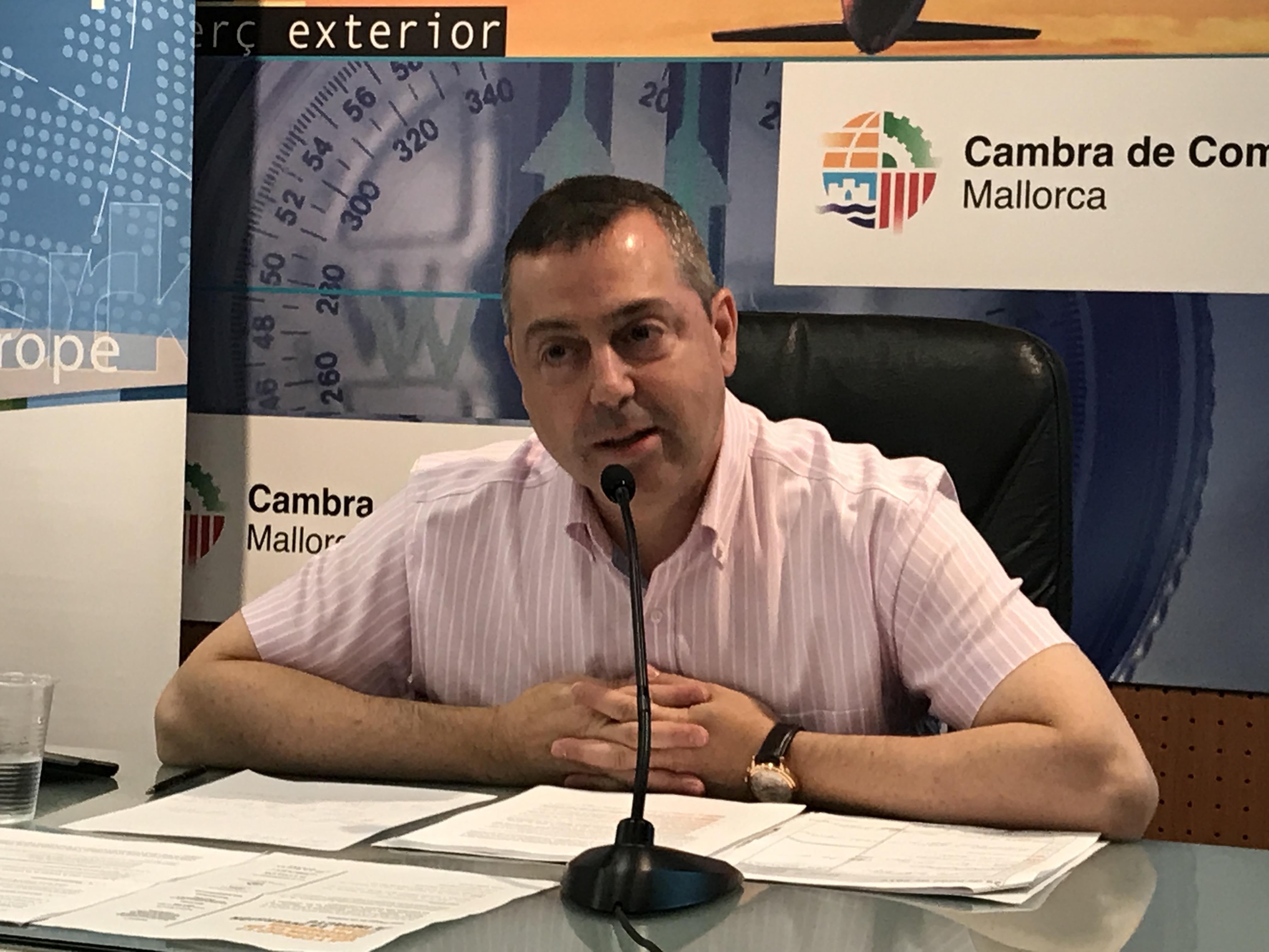 """Illeslex participa en el curso """"Normativa urbanística y vivienda vacacional"""" de la UIB"""